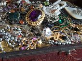 picture of jewel-case  - Treasure chest - JPG