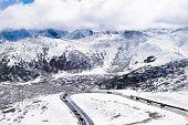 pic of slippery-roads  - Snow - JPG
