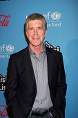LOS ANGELES - MAR 15:  Tom Bergeron arrives at the