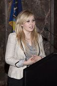 NEW YORK-APR 21, 2014: Actress & Project Sunshine Ambassador Abigail Breslin speaks at the ceremony