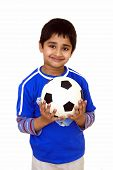 Постер, плакат: Малыш с футбольный мяч