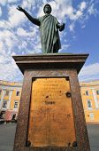 picture of duke  - Early morning photo of Duke Richelieu statue in Odessa Ukraine - JPG