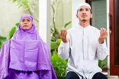 foto of muslim man  - Asian Muslim couple - JPG