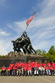 WASHINGTON DC - ca. Mai 2013: Iwo Jima Memorial ca. Mai 2013 in Washington DC, USA. Viele vetera