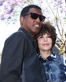 LOS ANGELES - MAY 31:  Kenny Edmonds, Carole Bayer Sager at the David Foster Hollywood Walk of Fame