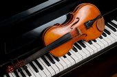 foto of compose  - Violin and piano close up close up - JPG