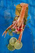 image of crustaceans  - Presentation of a crustacean with mixed vegetables in box - JPG