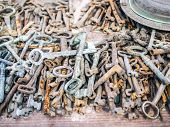pic of stall  - Antique rusty metal keys on a market stall at a flee market in Turkey Cappadocia - JPG