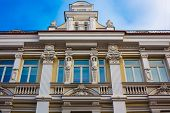 picture of balustrade  - Building with the classical European architectural elements  - JPG