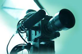 picture of shotgun  - HD Video Camera with Shotgun Microphone - JPG