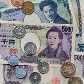 pic of japanese coin  - Different notes and coins of the Japanese currency - JPG