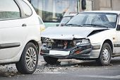 foto of slippery-roads  - car crash collision accident on an city road - JPG