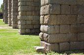 foto of aqueduct  - Roman Aqueduct of Merida Los Milagros - JPG