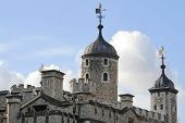 picture of beefeater  - built by william the conqueror after the battle of hastings - JPG