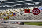 Nascar:  November 7 Dickies 500