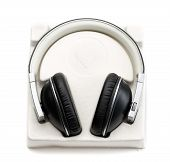 foto of heart sounds  - New headphones in the package with the heart - JPG