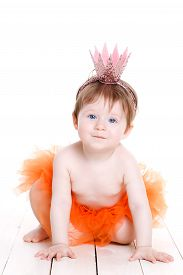 picture of princess crown  - Cute little girl with short hair and blue eyes - JPG