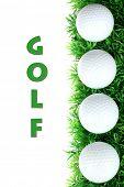 Постер, плакат: Мячи для гольфа на траве