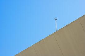 pic of lightning-rod  - the lightning rod with blue sky background - JPG