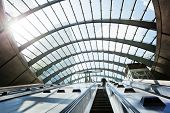 picture of canary  - Canary Wharf metro Station - JPG