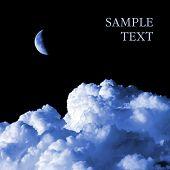Постер, плакат: Луна и облака на черном фоне изолированный с пространством для текста