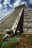 picture of castello brown  - chichen itza the castle in a corner