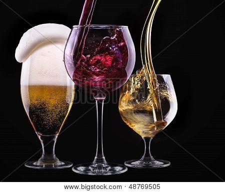 Постер, плакат: алкогольные напитки набор изолированные на черный, холст на подрамнике