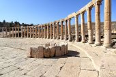picture of cardo  - The Oval Forum at Jerash in the Roman ruins of Jerash in Jordan - JPG