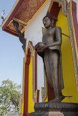 pic of buddha  - Image Buddha pay homage to a Buddha image in thailand - JPG