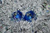 picture of x-max  - Clear glass Christmas balls decorated with blue sparkles - JPG
