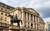 picture of great horse  - Equestrian statue of Wellington in London  - JPG