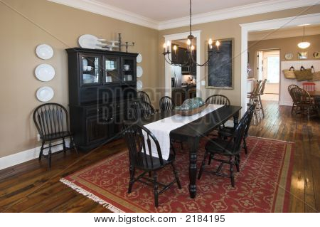 picture or photo of dining room in well decorated upscale home organizing a decorating project organizing a decorating