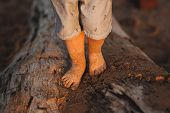 pic of footprints sand  - the child