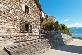 picture of stone house  - Architecture - JPG