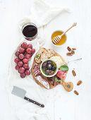 picture of pecan nut  - Wine appetizer set - JPG
