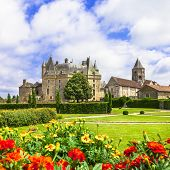 image of fountain grass  - beautiful castles of France  - JPG