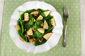 pic of walnut  - Green salad with spinach - JPG