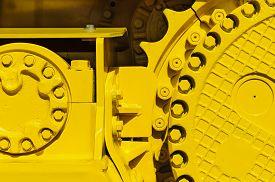 foto of bulldozers  - Drive gear - JPG