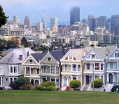 Victorian Homes And San Francisco Skyline