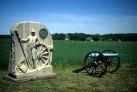 image of rebs  - Napoleon artillery battery and monument near Angle Gettysburg National Historical Battlefield  Pennsylvania  - JPG