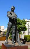 Постер, плакат: Знаменитая статуя Матадор Curro Ромеро в Севилье Испания