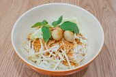 Thai Rice Vermicelli With Curry