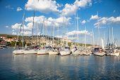 Постер, плакат: Яхт клуб в г Балчик на побережье Черного моря Болгария