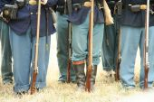 pic of yanks  - A view of well equipt union yankee soldiers complete with official issue muskets belt buckles and leather ammunition bags - JPG