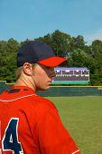Постер, плакат: Мяч поля и игрок в бейсбол