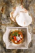 foto of scallops  - Presentation in flat nest of spaghetti sauce full of scallops - JPG