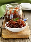 picture of red shallot  - red onion marmalade with thyme French cuisine - JPG