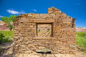 picture of southwest  - End wall of a stone house in the wilderness of Utah - JPG
