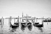 Постер, плакат: Gondolas With View Of San Giorgio Maggiore Bw