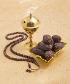 picture of prayer beads  - An oudh burner - JPG